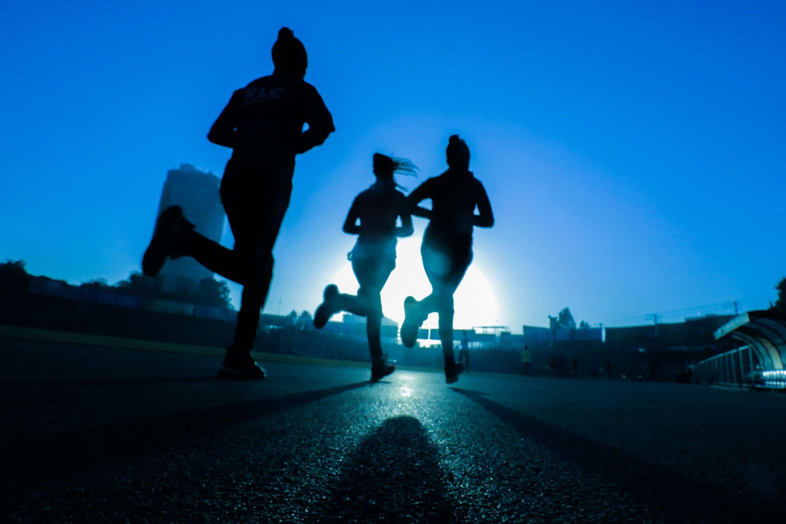 springa med viktväst